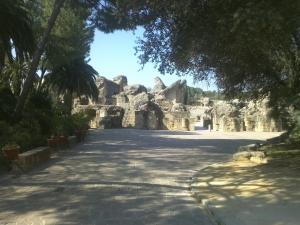 Entrance to the Acrópolis and Amphitheatre